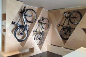 自転車を「魅せる収納」でディスプレイしてしまうアイデア